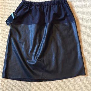 Zara Ladies Black Faux Leather/Suede Skirt Size L